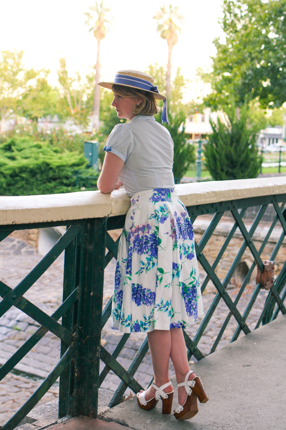 @findingfemme wears Forever New shoes, Review Australia floral skirt and vintage Laura Ashley straw boater in Bendigo.