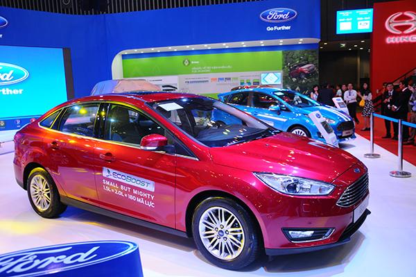 Ford Focus 2016 trình làng thách thức Toyota Altis tại Việt Nam