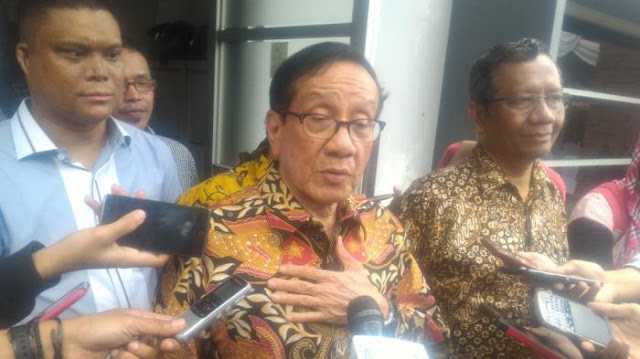 Mahfud MD Di-PHP Jokowi, Akbar Tandjung Minta Airlangga Lepas Jabatan Menteri