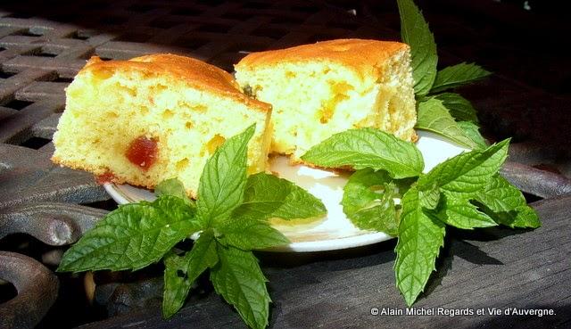 idée de présentation du gâteau aux poires à l'Auvergnate