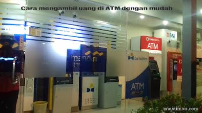 Cara mengambil uang di ATM Mandiri, BRI, BCA, BNI, BPD dan CIMB Niaga