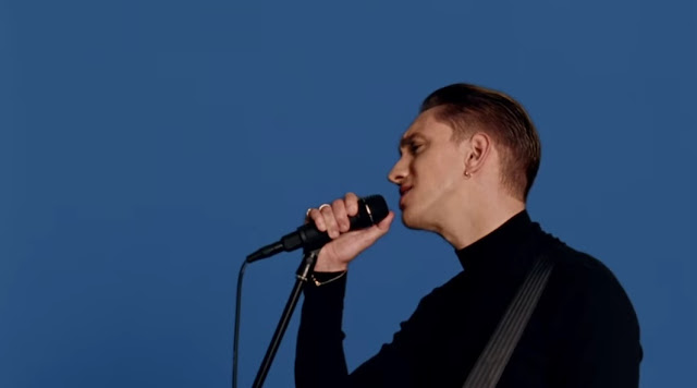 "The xx Premiere ""Say Something Loving"" Video"