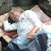Astaqfirullah.. Viral Seorang Pria Lanjut Usia Tidur Di Got dan Tidak Diakui Oleh Anaknya