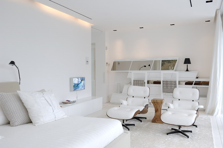 White interiors of the Sotogrande House by A-Cero Architects