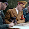 Hitler más que un Líder Militar
