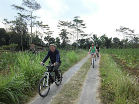 borobudur village tours