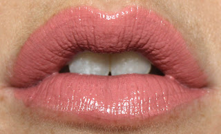 H&M Cream Lipstick in Powder Puff review swatch swatches