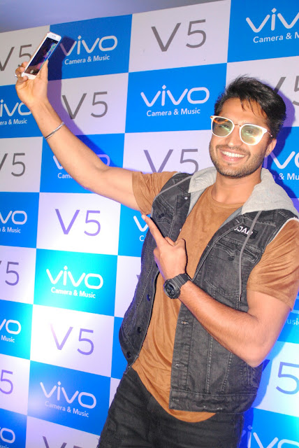 Vivo Launches V5 with 20MP Front Camera in Chandigarh