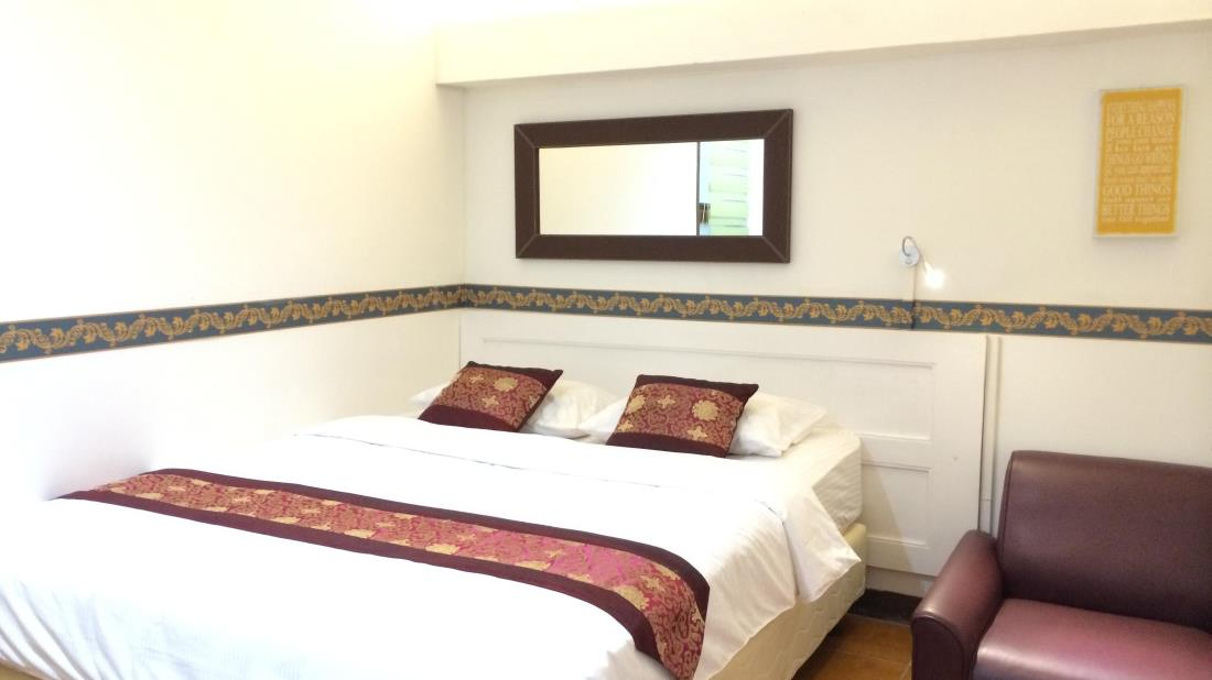 Hotel Murah Di Bandung Ini Terletak Jl Babakan Jeruk Indah 1 No 11 Pasteur Lokasinya Hanya Berjarak 3 Km Dari Pusat Kota