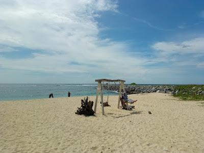 suasana pantai Pulau kapuk