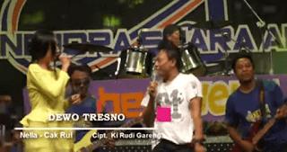 Lirik Lagu Dewo Tresno (Dan Artinya) - Nella Kharisma
