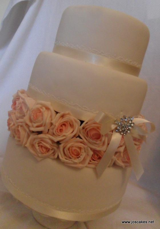 Jo S Cakes Three Tier Roses Wedding Cake W001