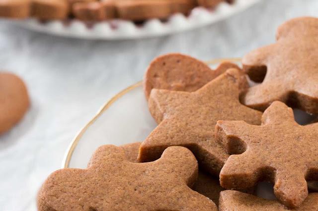 szybki przepis na pierniczki świąteczne, gingerbread cookies