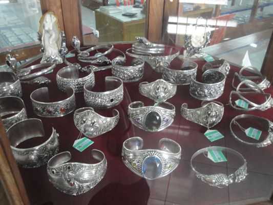 Jewelry Handicrafts of Gold and Silver - Small Island of Bali, Vacation, Journey