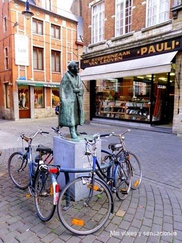 Estatua Erasmo de Rotterdam, Lovaina (Bélgica)