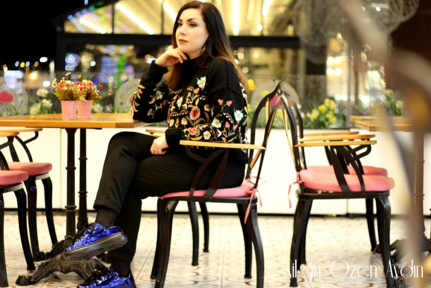 alışveriş-Nakışlı Kazak-metalik mavi ayakkabı-moda blogu-fashion blogger