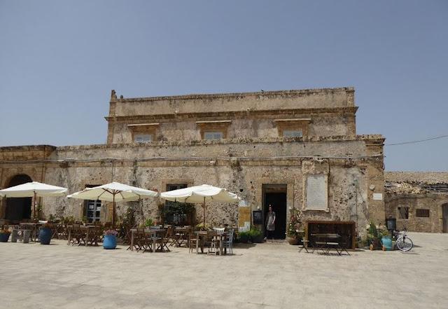 palazzo di villadorata a Marzamemi