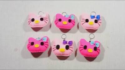 Cara Membuat Gantungan Kunci Hello Kitty dari Kain Flanel