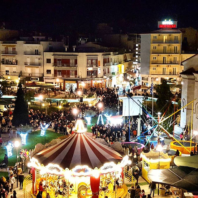 O Δήμος Άργους Μυκηνών διαθέτει Χριστουγεννιάτικα σπιτάκια σε επιχειρήσεις
