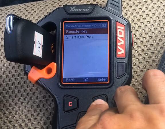 vvdi-key-tool-hilux-2014-remote-4