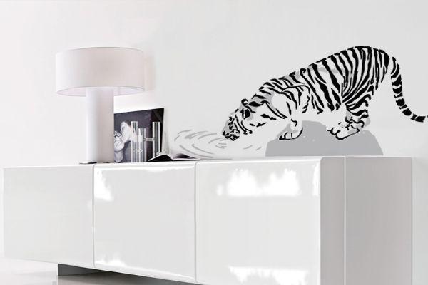 Adesivo de um tigre para sala de estar ou jantar