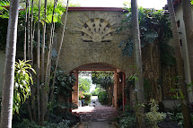 Dragonfly Garden Miami Kampong Tropical