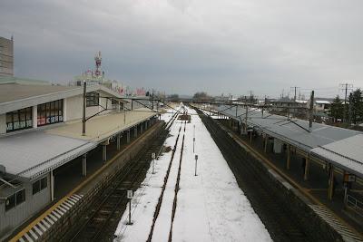 跨線橋上から見た上り北上・水沢・平泉・一関・仙台方面