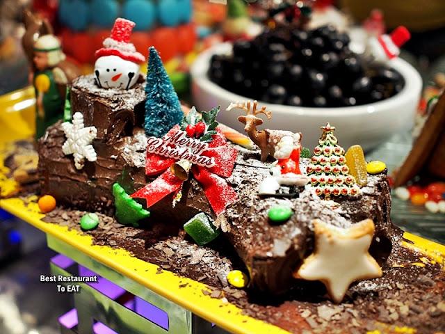Christmas 2019 Sunway Hotel Resort Spa Dessert Menu - Chocolate and Red Velvet Yule Log Cake