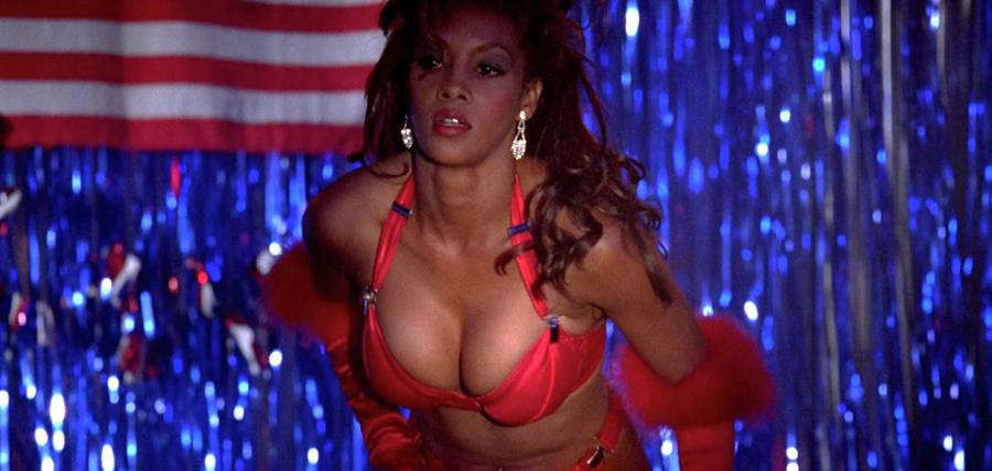 Vivica A. Fox, în rolul personajului Jasmine Dubrow din Independence Day (1996)