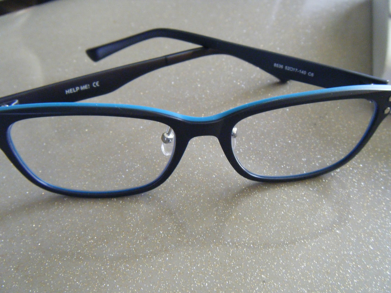 les taratatas de sandra lunettes de choix chez antifatigue glasses. Black Bedroom Furniture Sets. Home Design Ideas