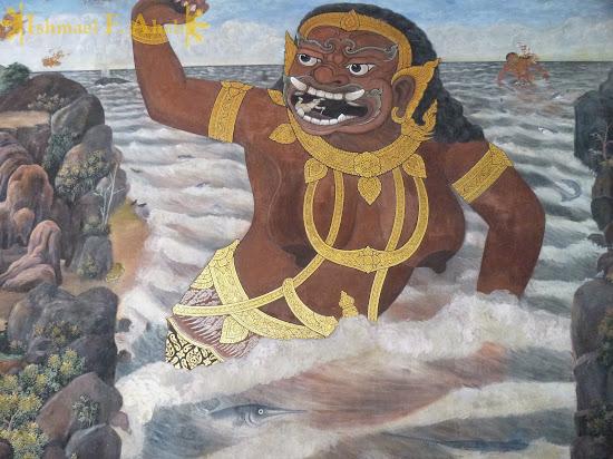 Ramakien in Bangkok Grand Palace: Hanuman versus the Giant