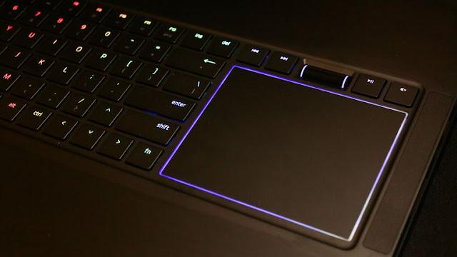 A Razer anunciou nesta quarta-feira, 5, o Project Valerie, um notebook com tela tripla de 17 polegadas