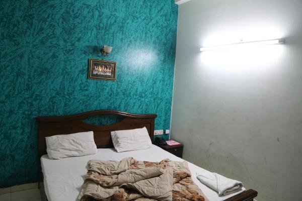 cheap hotels in delhi below rs 500