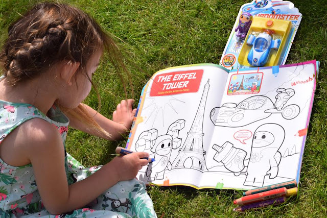 colouring in with the Go Jetters
