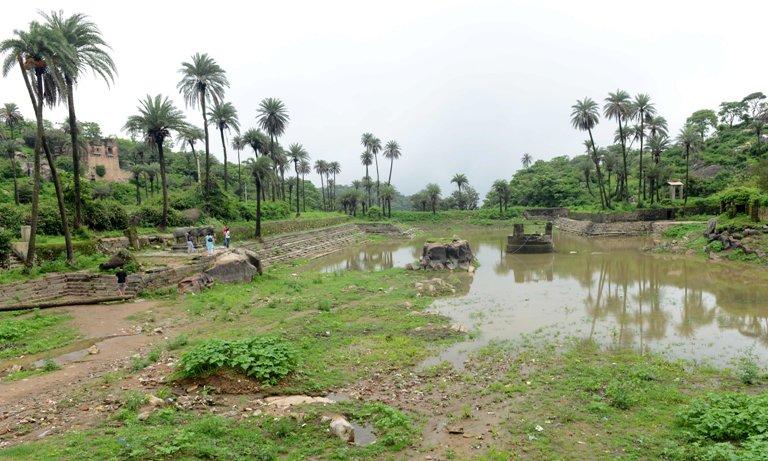 mount abu only hill station of rajasthan in hindi achaleshwar achalgarh