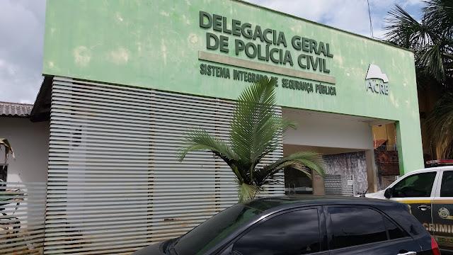 Escola João Kubitschek é invadida por grupo armado e roubam alunos e professores em Cruzeiro do Sul