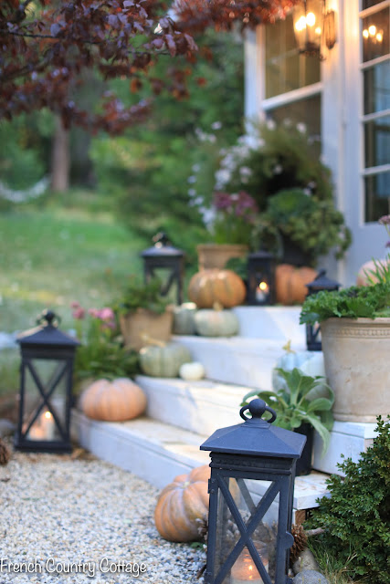 Simple autumn porch styling
