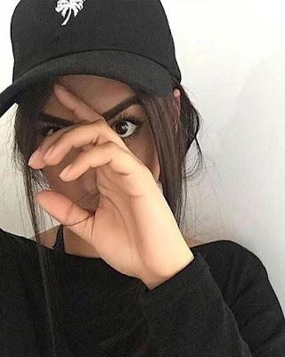 poses para selfies con cara tapada