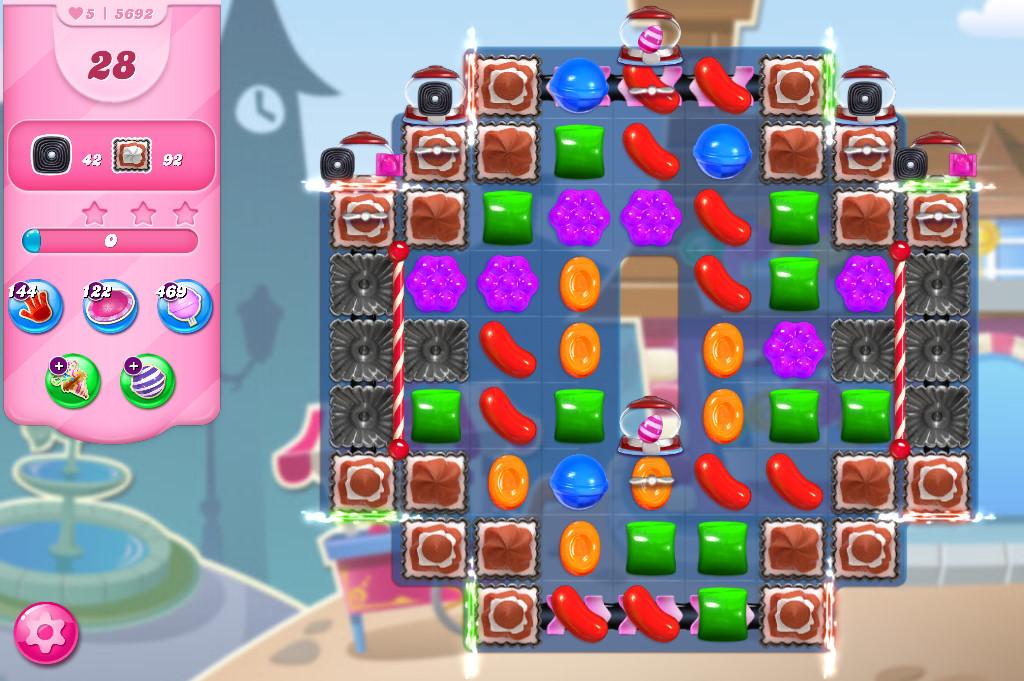 Candy Crush Saga level 5692