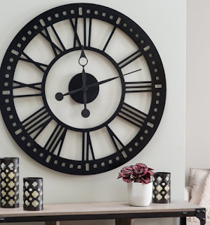 Jam dinding ruang tamu unik
