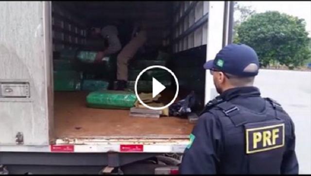 PRF apreende mais 2 toneladas de maconha em Cajati/SP