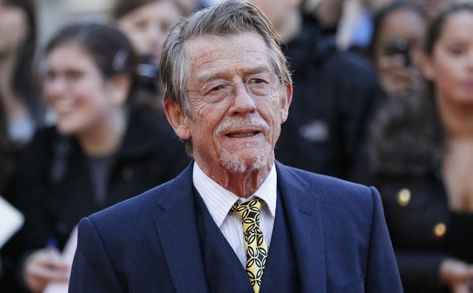 """Morre o ator britânico John Hurt, de """"Alien"""", """"O Homem Elefante"""" e """"Expresso da Meia-Noite"""""""