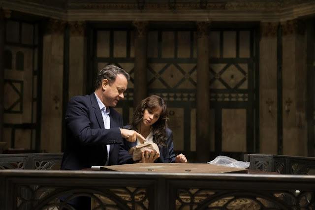 A Dan Brown thrillereiből készült filmek trilógiává nőnek: az Angyalok és démonok és Az elveszett jelkép után újabb kalandra indulhat az író kedvenc hőse, Robert Lagndon szimbólumkutató, akinek köszönhetően bebizonyosodott: Tom Hanks akcióhősként is megállja a helyét. Az Inferno (Inferno, hazai bemutató: október 13.) sok jelenete játszódik Firenzében, Dante szülőhelyén – a film a középkori költő pokolról szóló költeményétől vette a címét, és a története is a pokol mélyére vezet.