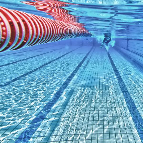 Esportes da olimp ada nata o nado sincronizado e for Metros piscina olimpica