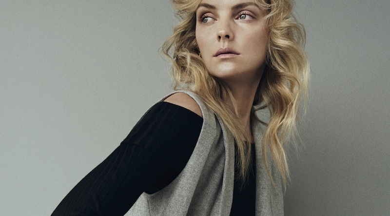 comfy minimalism: heather marks by henrik bülow for eurowoman august 2015