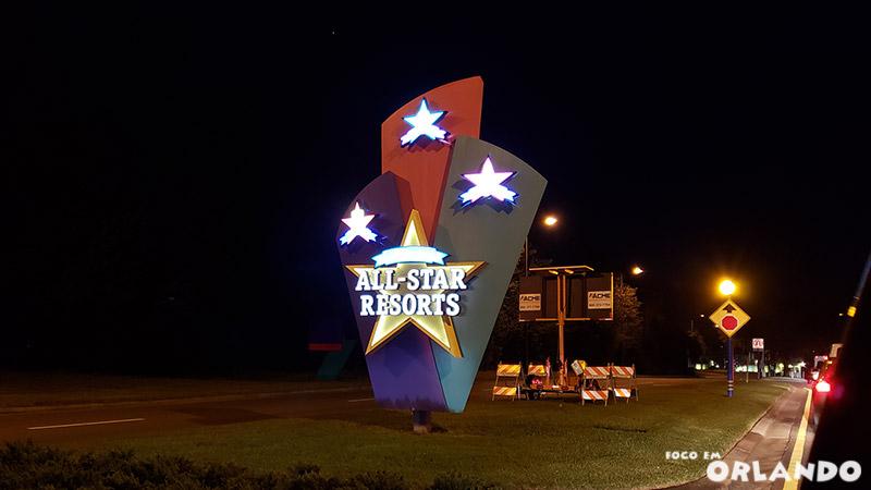 Engarrafamento para entrar no All-Star Resorts depois de um longo dia no parque