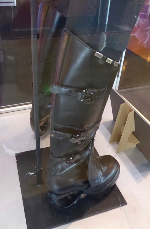 Gamora costume boots Guardians of the Galaxy 2