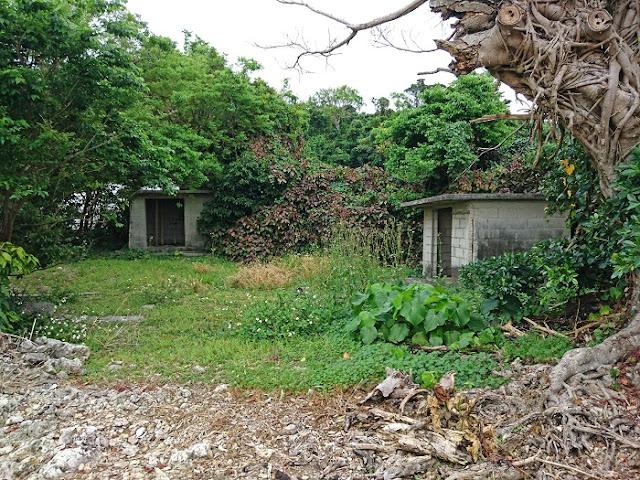 糸洲集落の拝所の写真