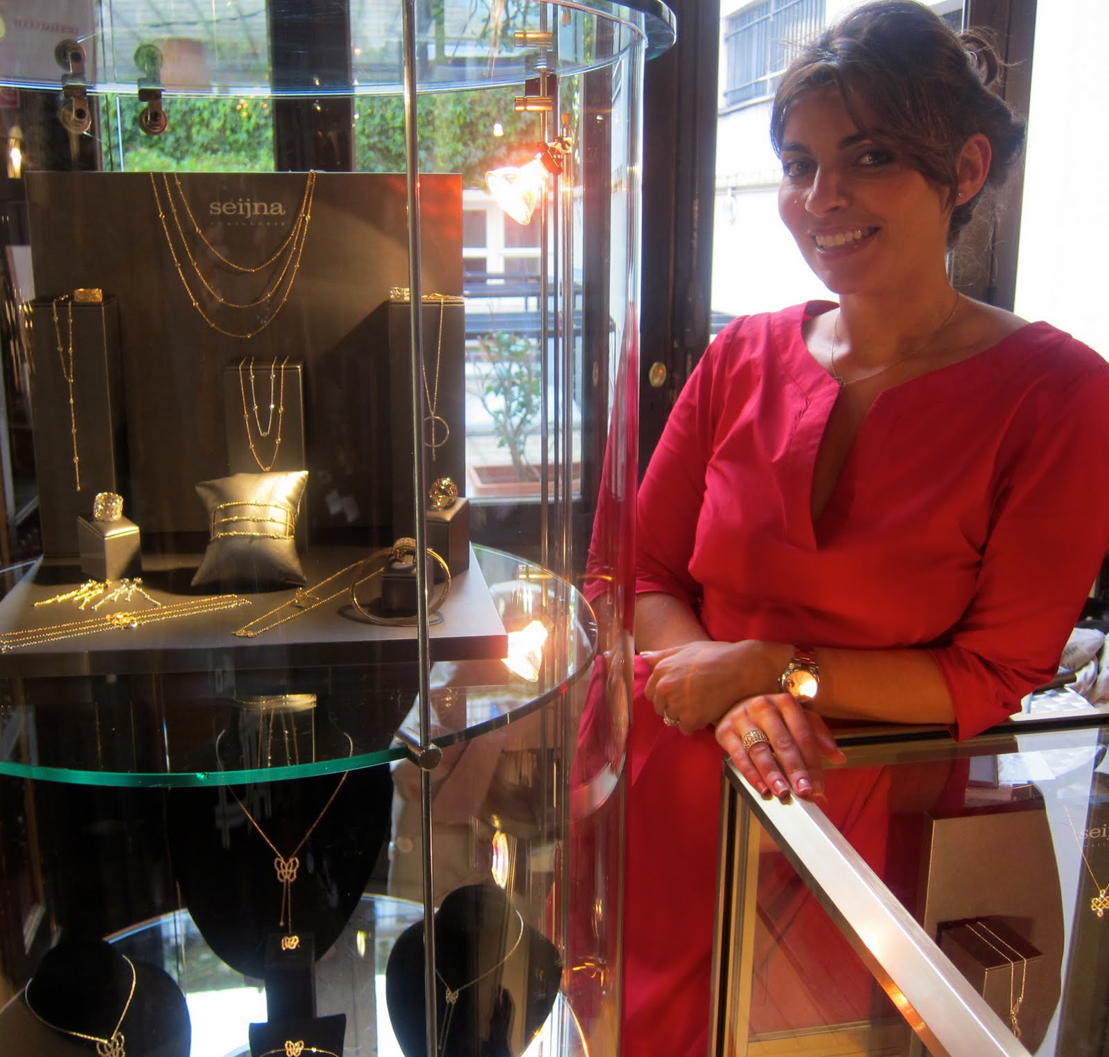 International luxury consulting anne de champigneul with - Salon de the parisien ...