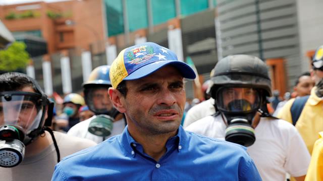 """Capriles alerta que la """"narco cúpula"""" de Maduro busca desvirtuar la protesta con violencia y anarquía"""